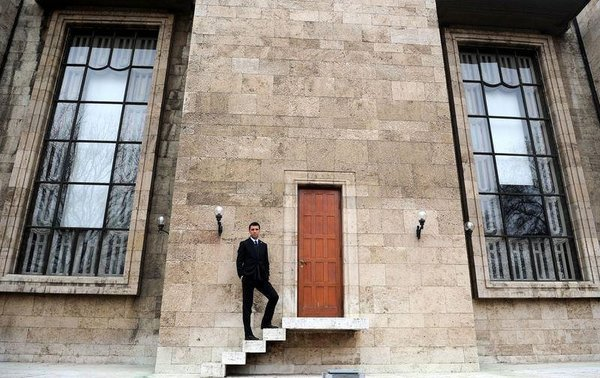 Milletvekili Hakan Şükür'den özel pozlar