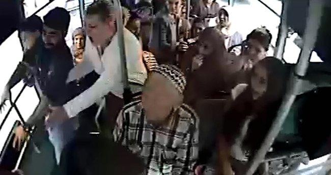 Halk otobüsündeki bıçaklama kameralara yansıdı
