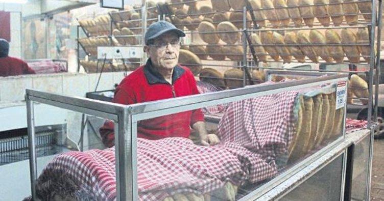 Askıda ekmekle karınlar doyuyor