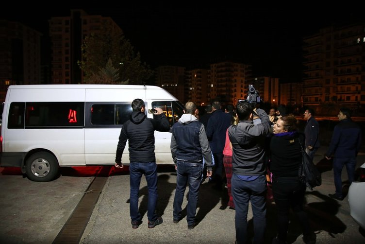 HDP'li vekiller böyle gözaltına alındı!