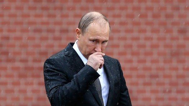 Rusya lideri Putin sırılsıklam!