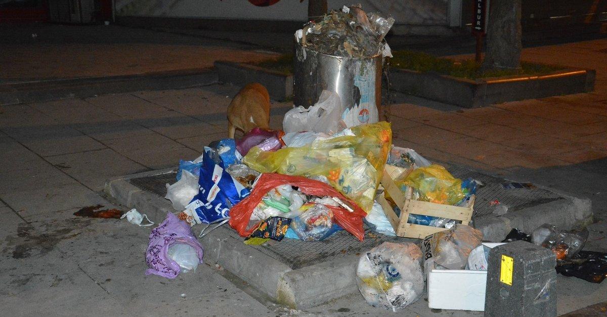 Maltepe'de işçiler greve gitti, çöpler yığılmaya başladı