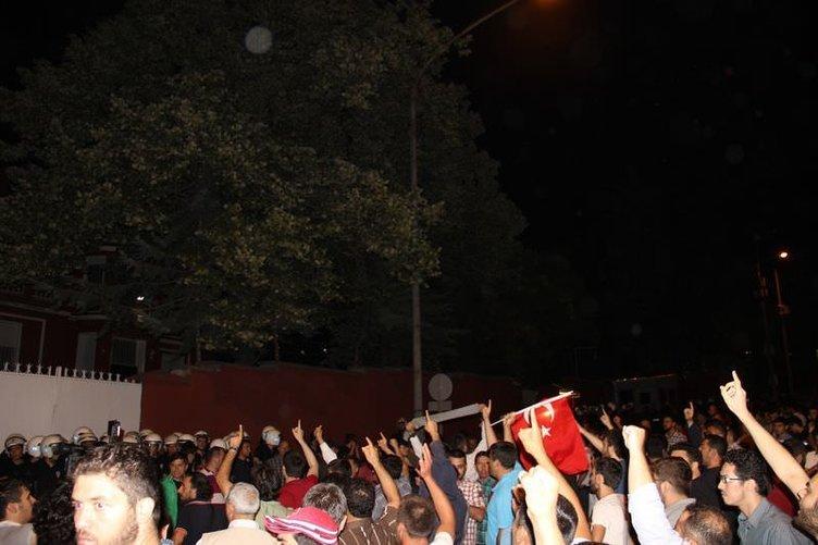 İsrail Büyükelçiliği'nin konutu önünde protesto