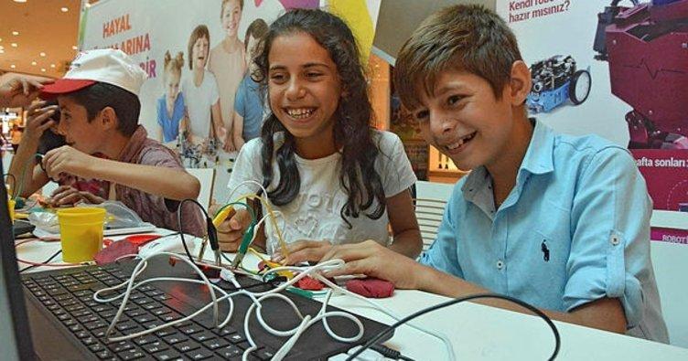 Adana'da robotların dünyasını keşfettiler