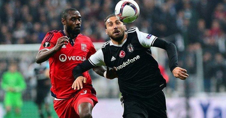 Yazarlar Beşiktaş-Lyon maçını yorumladı