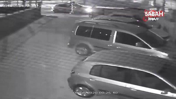 Kavgalı olduğu şahısları arabadan indirerek silahla yaraladı...O anlar kamerada | Video