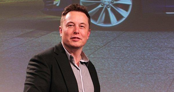 Elon Musk bedavaya çalışacak!