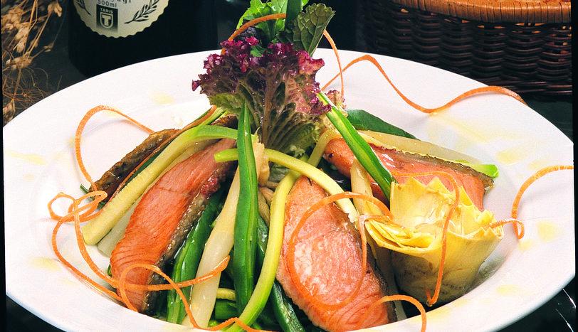 Ilık Somonlu Salata