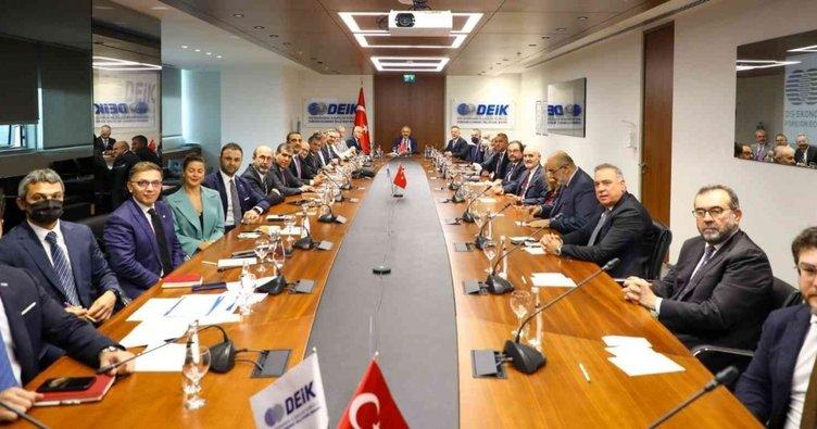 Hazine ve Maliye Bakanı Elvan, DEİK üyeleriyle buluştu