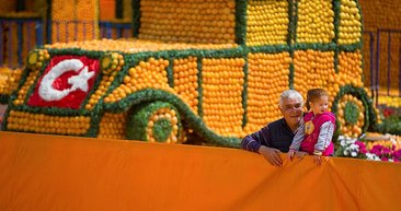 Antalya portakal çiçeği festivali başladı