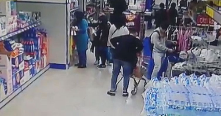 Esenyurt'ta markette suriyeli kadının parasını çalan şüpheli kamerada