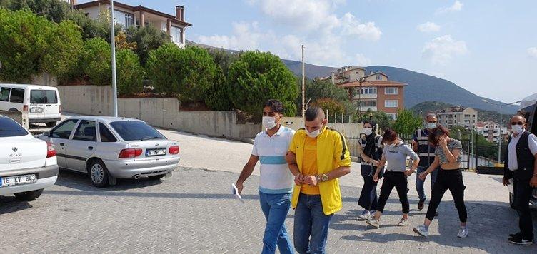 2 kişiyi 'fuhuş' ile kandırıp dehşet saçmışlardı! Şüpheliler tutuklandı