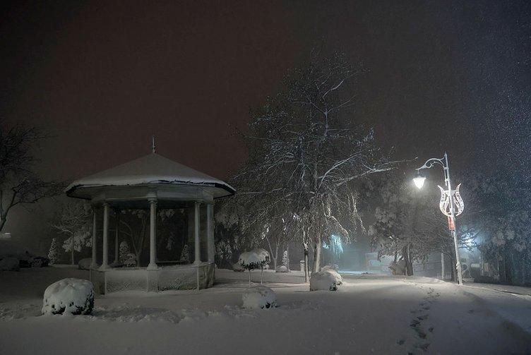 İstanbul'a kar çok yakıştı: İşte çok konuşulan o görüntüler!