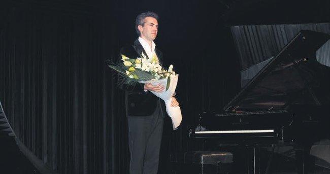 Piyanonun Paganinisi İstanbul'u büyüledi