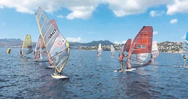 Sörfte İÇDAŞ rüzgarı