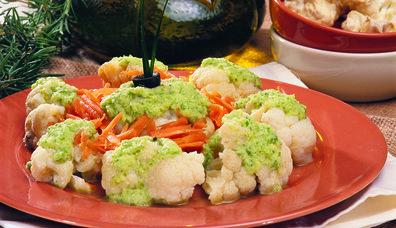 Yeşil Soslu Karnabahar Salatası