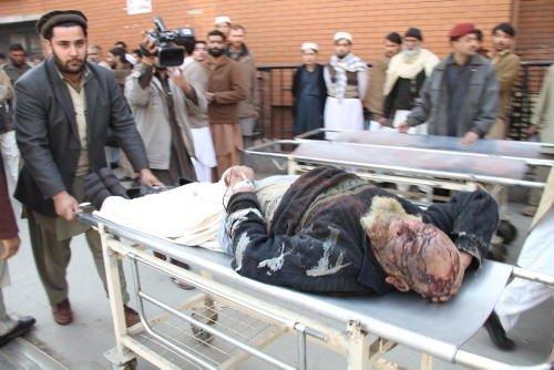 Pakistan'da kanlı sabah