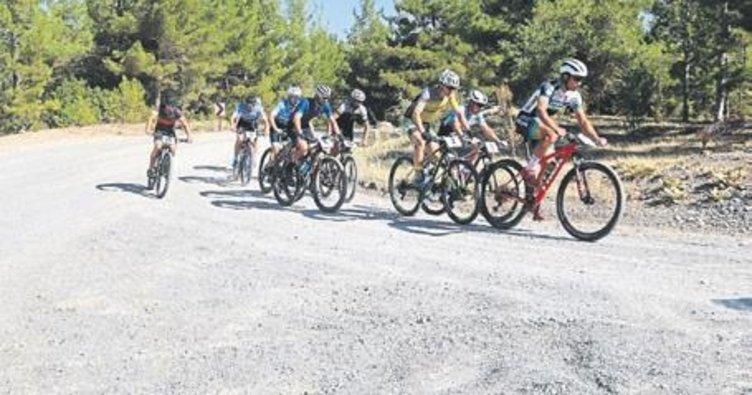 Dağ bisikletleri Çameli'ni süsledi