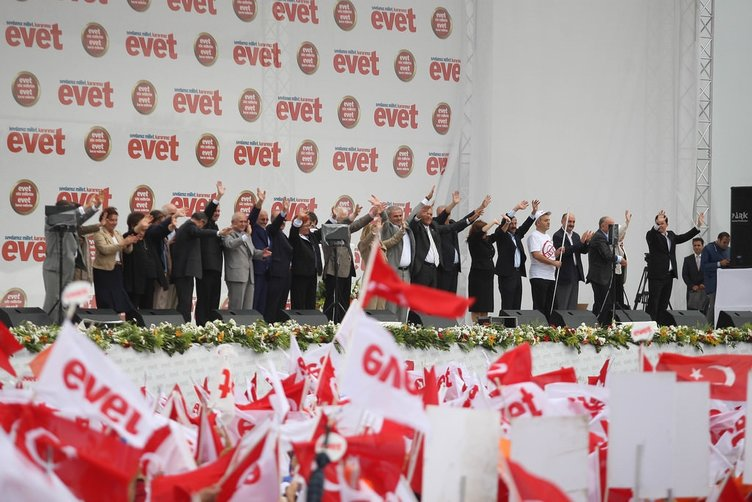 'Her evet, demokrasiye ve özgürlüğe davettir'