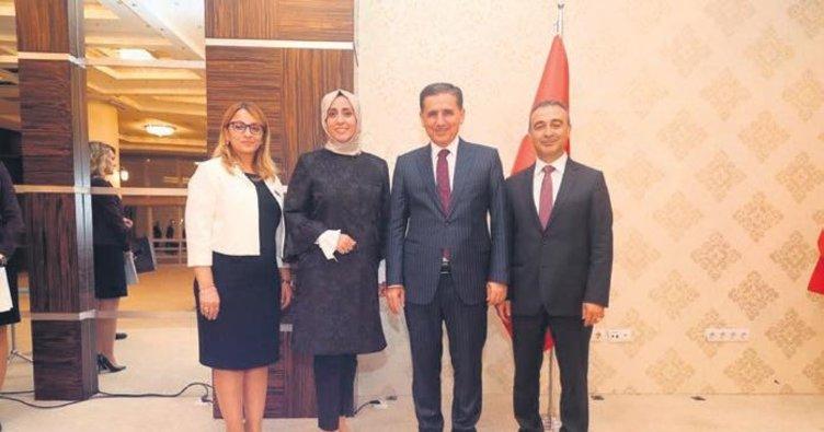 Vali Ercan Topaca'dan mesai arkadaşlarına veda yemeği