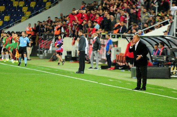 Galatasaray Teknik Direktörü Fatih Terim'den kadroda radikal değişiklik