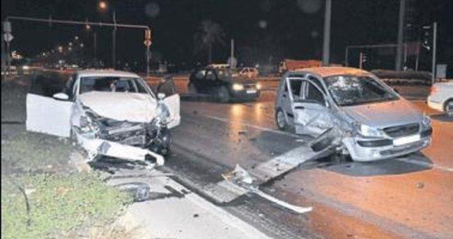 Manavgat'ta kaza: 2 kişi yaralandı