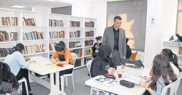 Kütüphaneye ziyaret