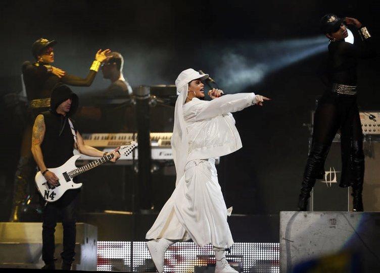 Rihanna tesettüre girdi