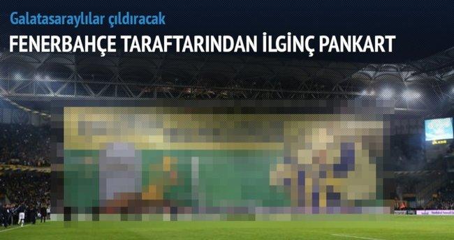 Kadıköy'de maç sonu açılan olay pankart!