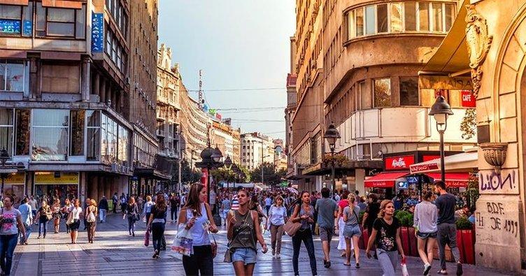 Balkanlar kepenkleri tekrar açmaya başladı