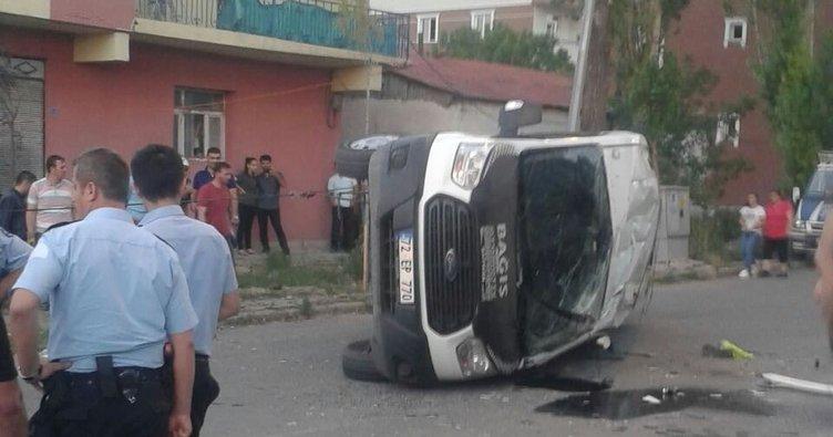 Kars'ta trafik kazası: 15 yaralı
