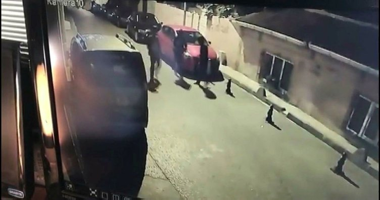 Fatih'te otomobillerden hırsızlık anları kamerada; 6 kişi yakalandı