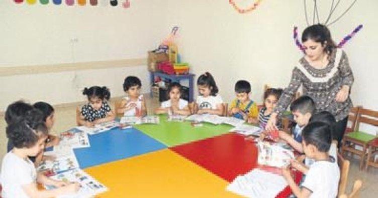 Akdeniz'de çocukların boyama kitabı heyecanı
