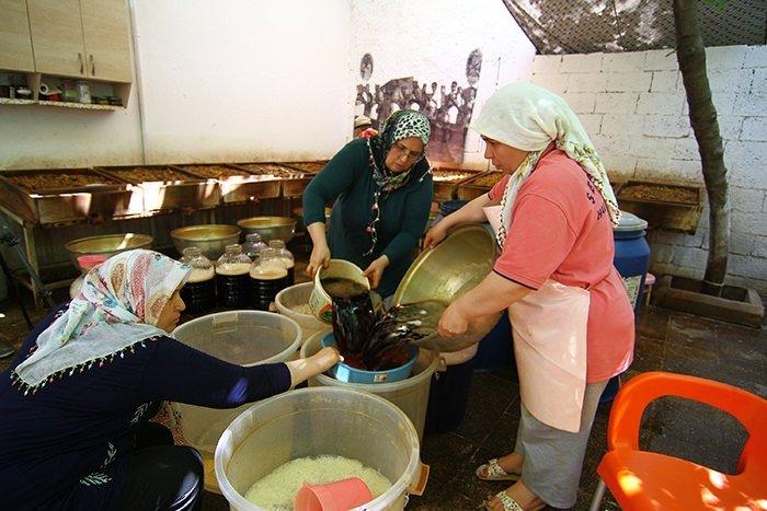 Meyan şerbeti iftar sofralarını süslüyor