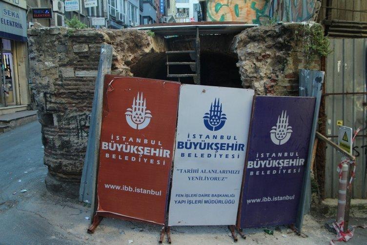 Tarihi yapıda tepki çeken görüntü