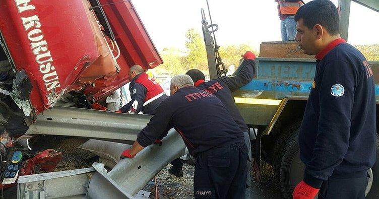 Mersin'de tır kamyona çarptı: 1 ölü