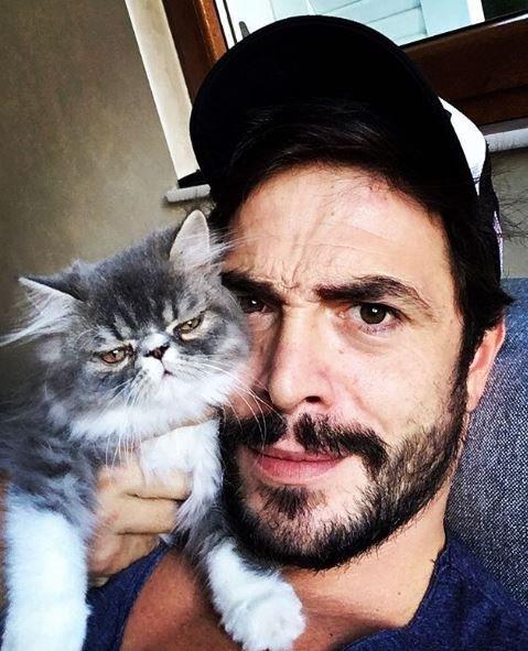 Ahmet Kural'ın kedisi obez oldu!