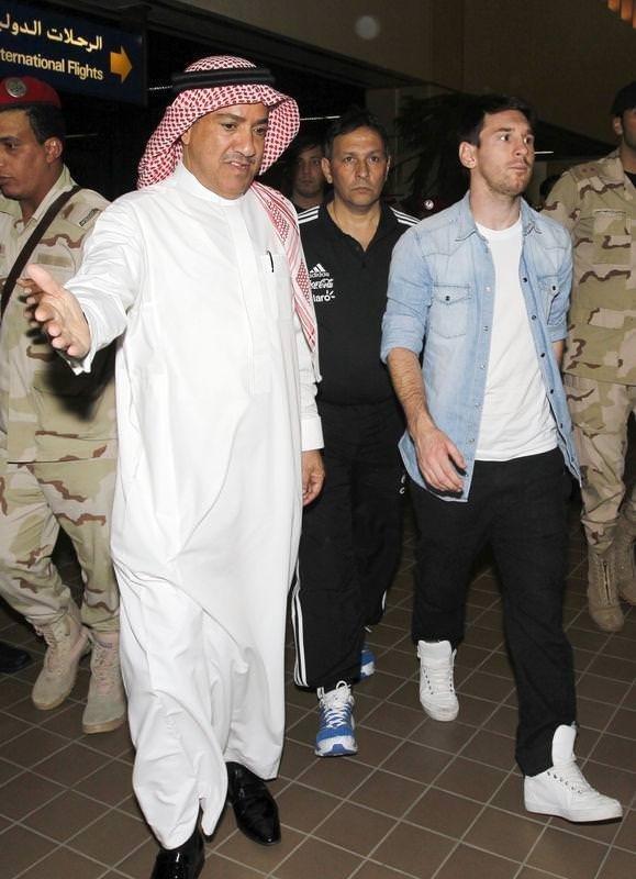 Messi'ye silah şoku