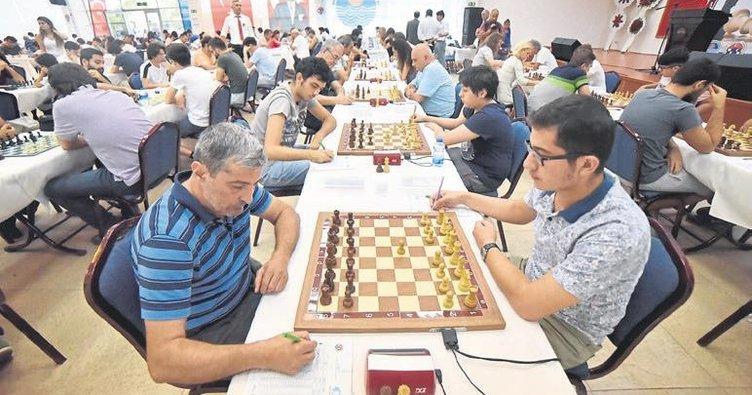 Uluslararası satranç turnuvası heyecanı