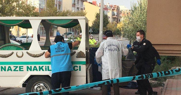Konya'da otomobilin çarptığı baba ve 5 yaşındaki oğlu öldü, anne ağır yaralı