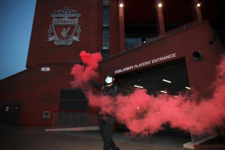 Liverpool 30 yılın ardından şampiyon! İşte kutlamalardan kareler