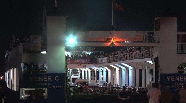 Marmara Denizi'nde yüzlerce yolcu mahsur kaldı! Yolcular arasında gerginlik çıktı!