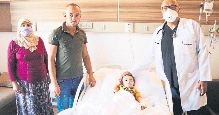 14 aylık Hüseyin'in delik kalbi kapatıldı