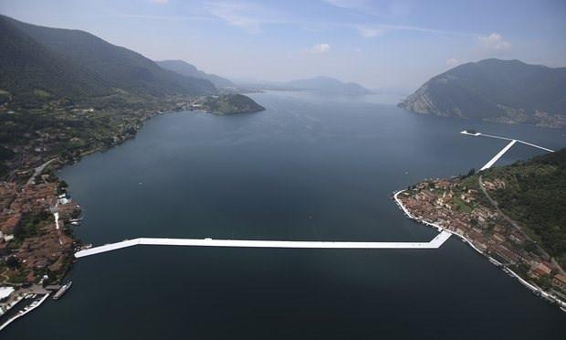 Yarım milyon kişi suyun üzerinde yürüyecek