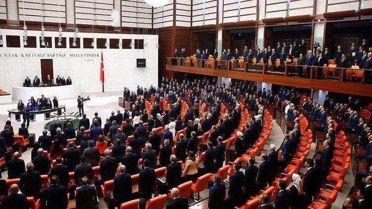 SON DAKİKA: Seçim barajı düşüyor! Partisinden ayrılan vekiller 20 kişi bile olsa...