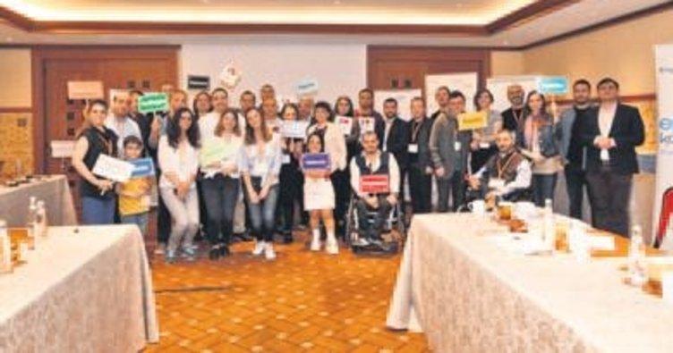 20 çalışan engelli liderliğe hazırlanıyor