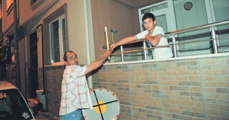 Ramazan davulcusu yüreklere dokundu