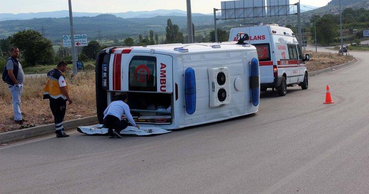 Çanakkale'ye hasta nakli yapan ambulans devrildi