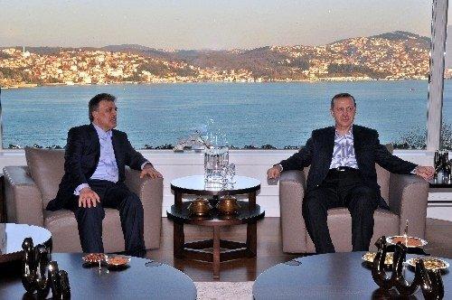 Başbakan Erdoğan ilk kez evinden çıktı!