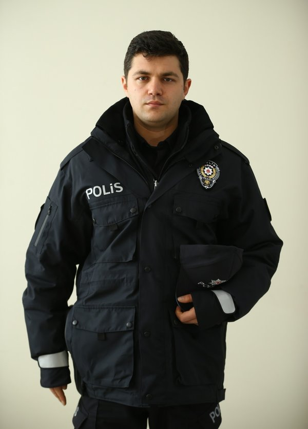 Emniyette yeni üniforma dönemi